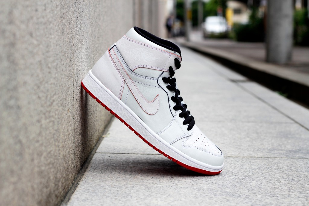 "NIKE SB × AIR JORDAN 1 ""Lance Mountain"" White × White"