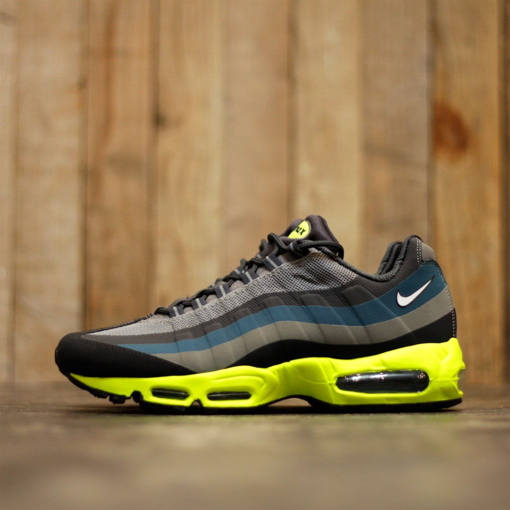 NIKE Air Max 95 No Sew