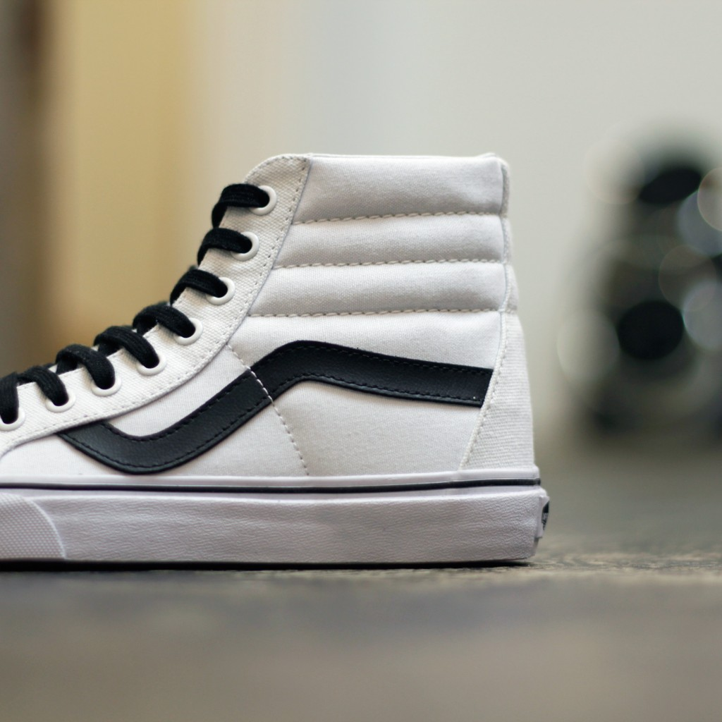 "VANS Sk8-Hi Reissue ""TRUE WHITE×BLACK"""
