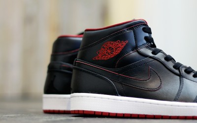 NIKE AIR JORDAN 1 MID 30th Anniversary