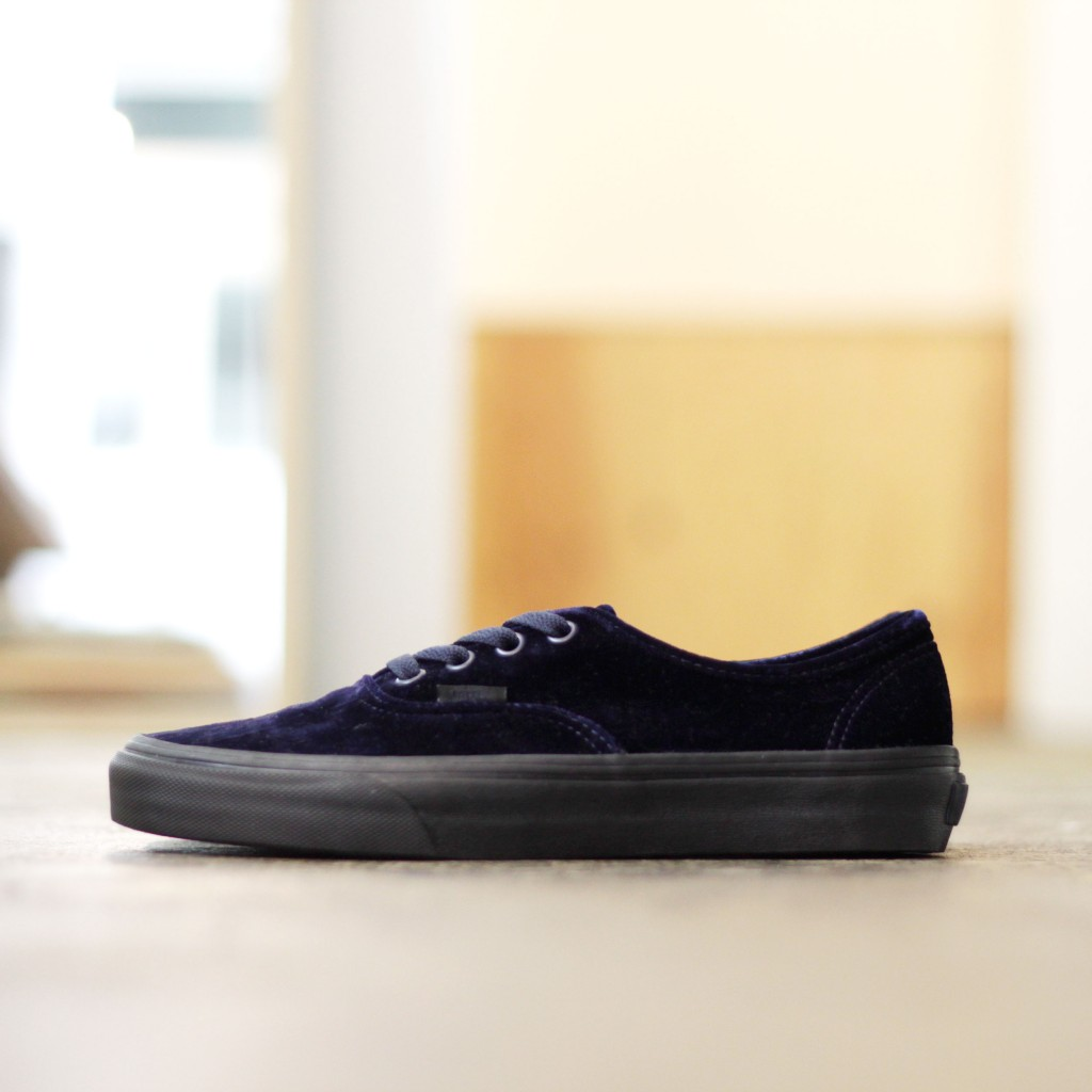 "VANS Authentic ""Velvet"""