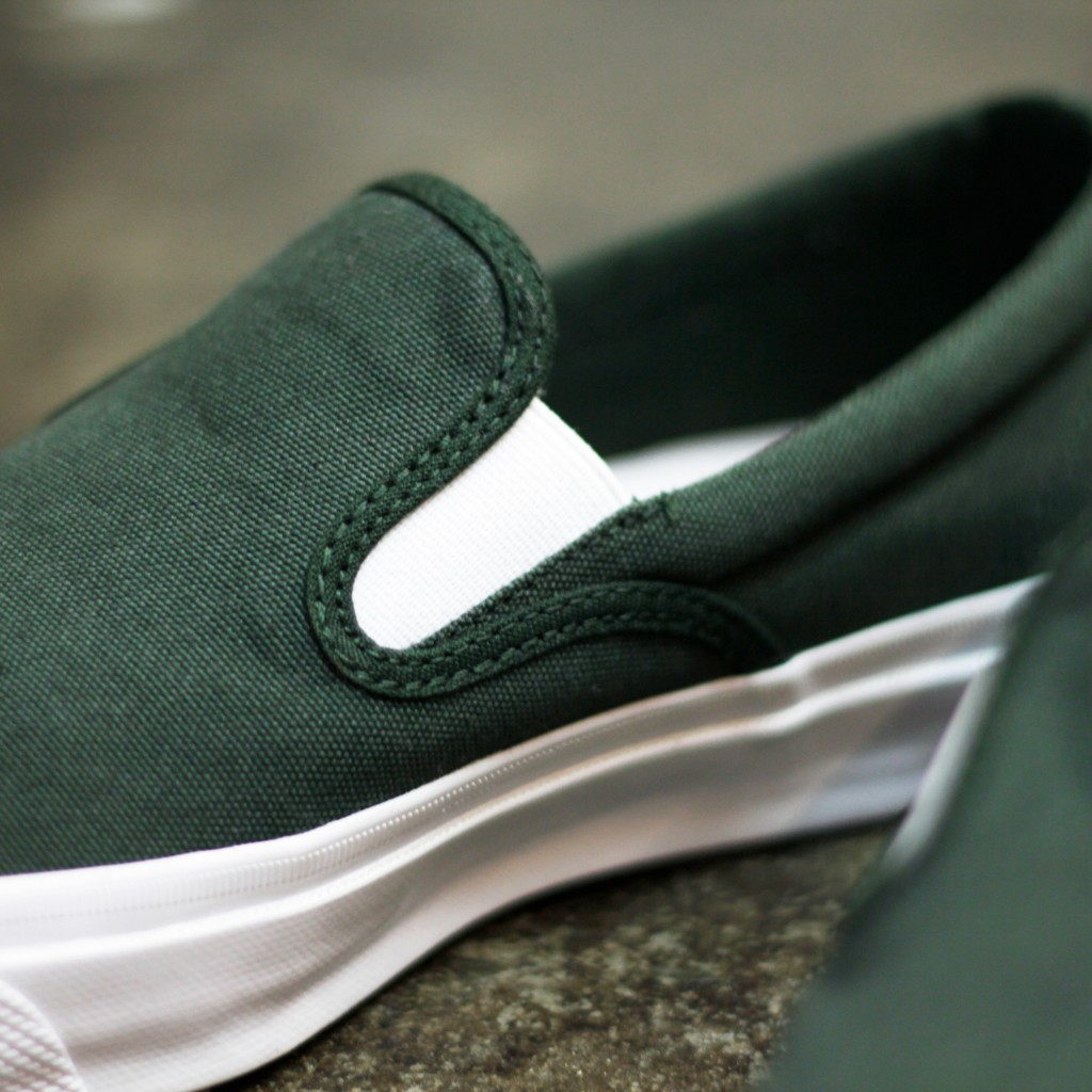 "CONS DECK STAR SLIP ON ""AARON HERRINGTON"""