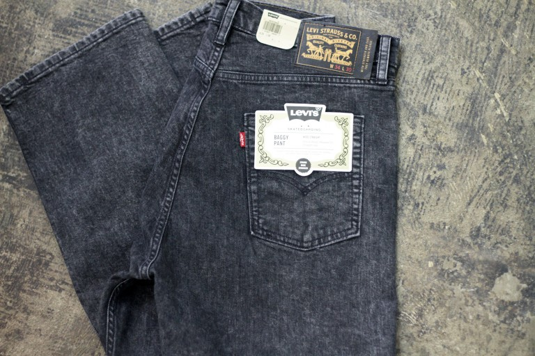 LEVI'S SKATEBOARDING Baggy Black Denim