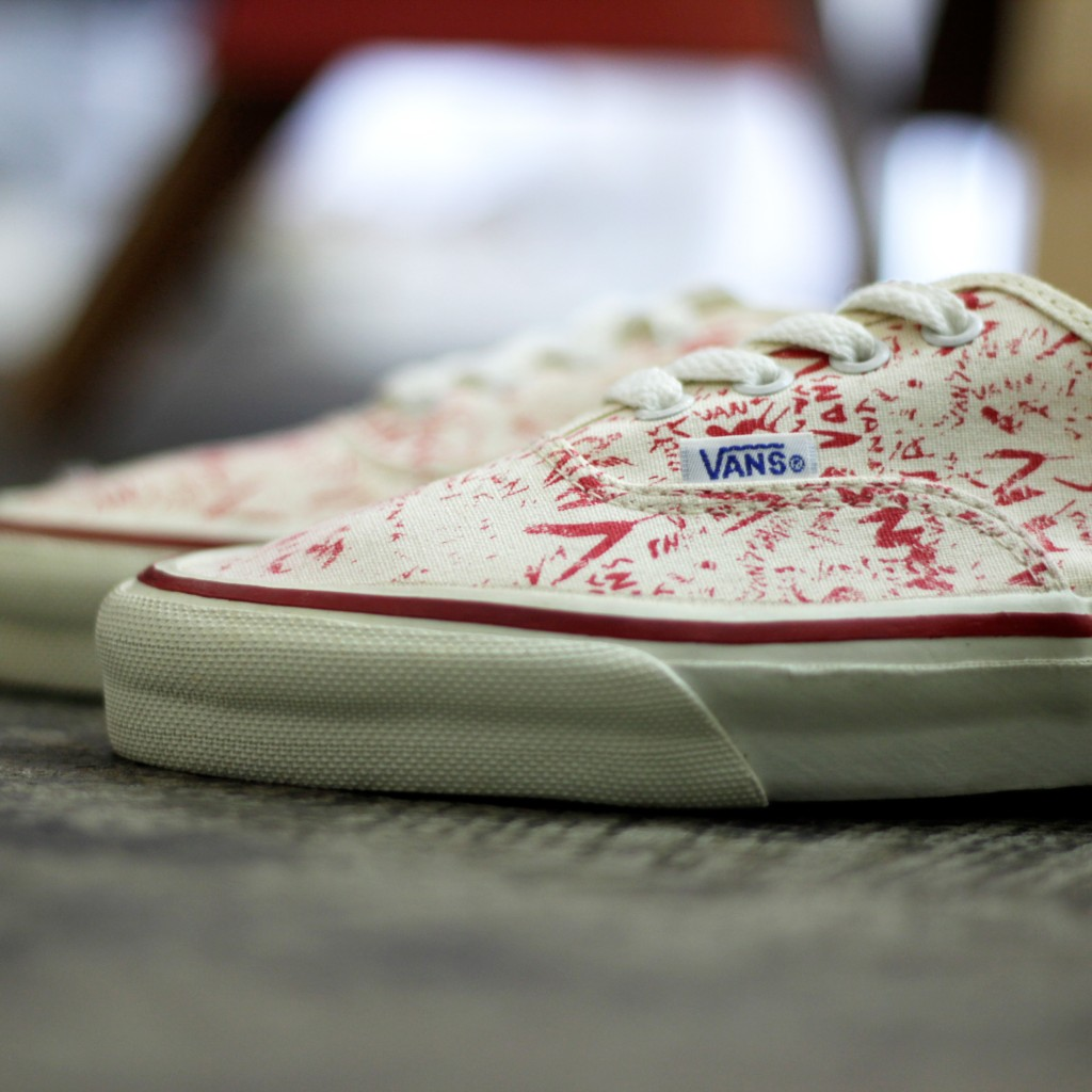 "VANS 80's Vintage Authentic Made in U.S.A ""DEAD STOCK"""