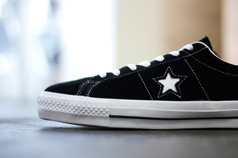 """CONS ONE STAR PRO SUEDE """"BLACK×WHITE"""""""
