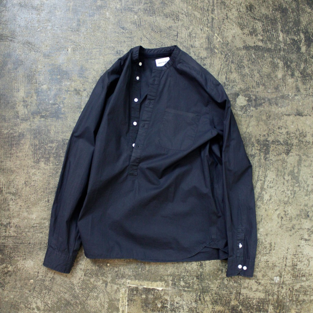 NORTH PROJECT L/S Collarless Pull Over Shirt