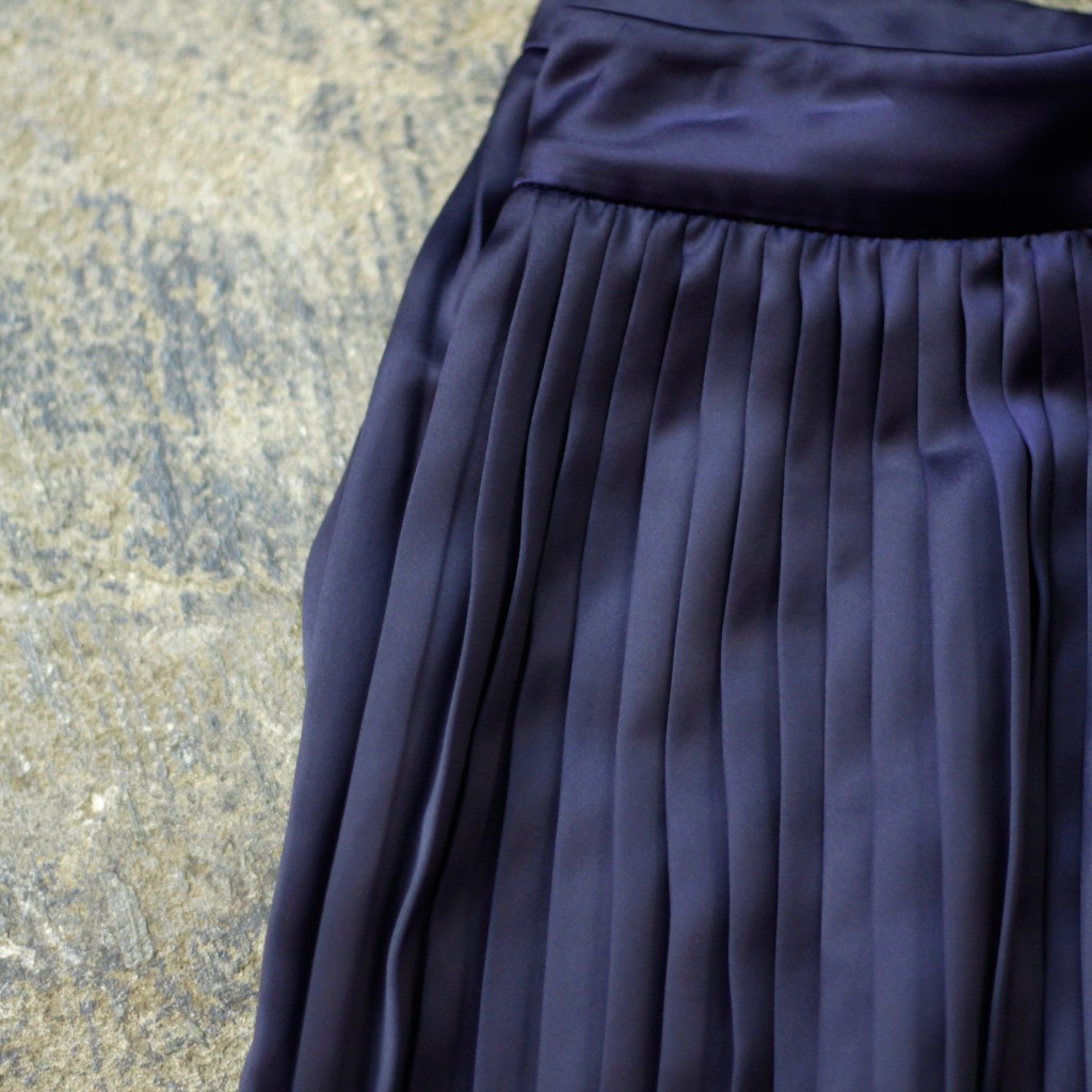 ELIZABETH AND JAMES Pleats Long Skirt