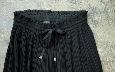 AYR Side Slit Pleated Skirt