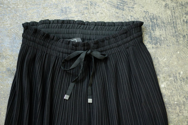 AYR Side Slit Pleated Skirt
