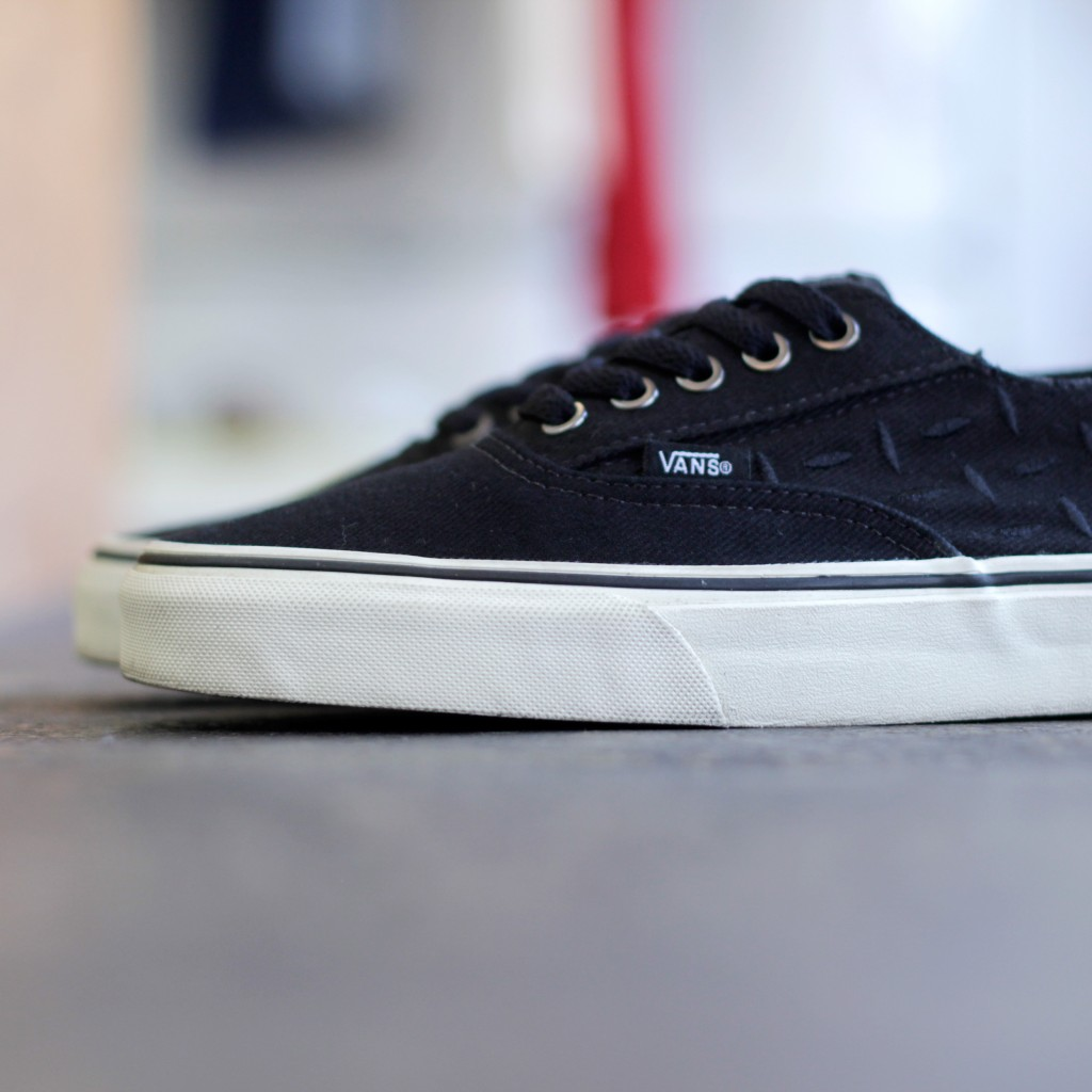 VANS × METALLICA Authentic Laceless Slip