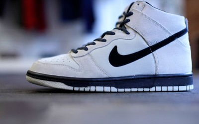 "NIKE Dunk High GS ""Light Bone"""