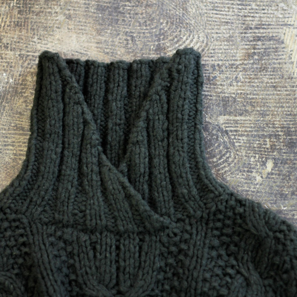 BANANA REPUBLIC Cable Knit