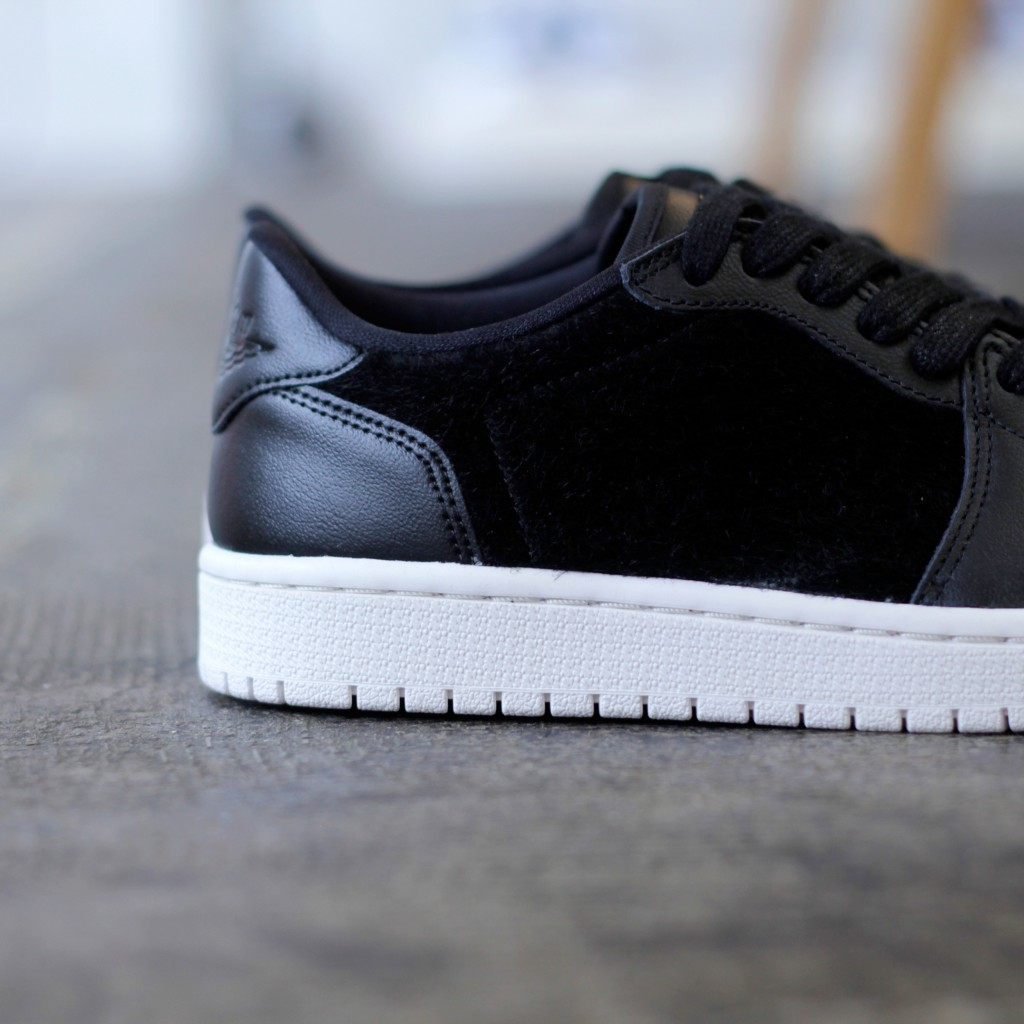 NKE AIR JORDAN 1 RETRO LOW
