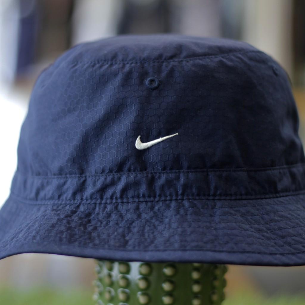 NIKE Vintage Nylon Packable Bucket Hat